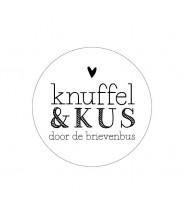 Stickers rond wit knuffel en kus door de brievenbus